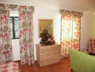 Ferienhaus lagar quinta sao lourenco madeira for Kommode quinta